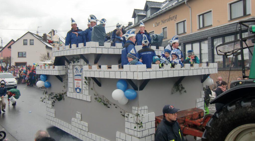 Der Karnevalsumzug in Neroth ist immer gut besucht. Foto: Verein