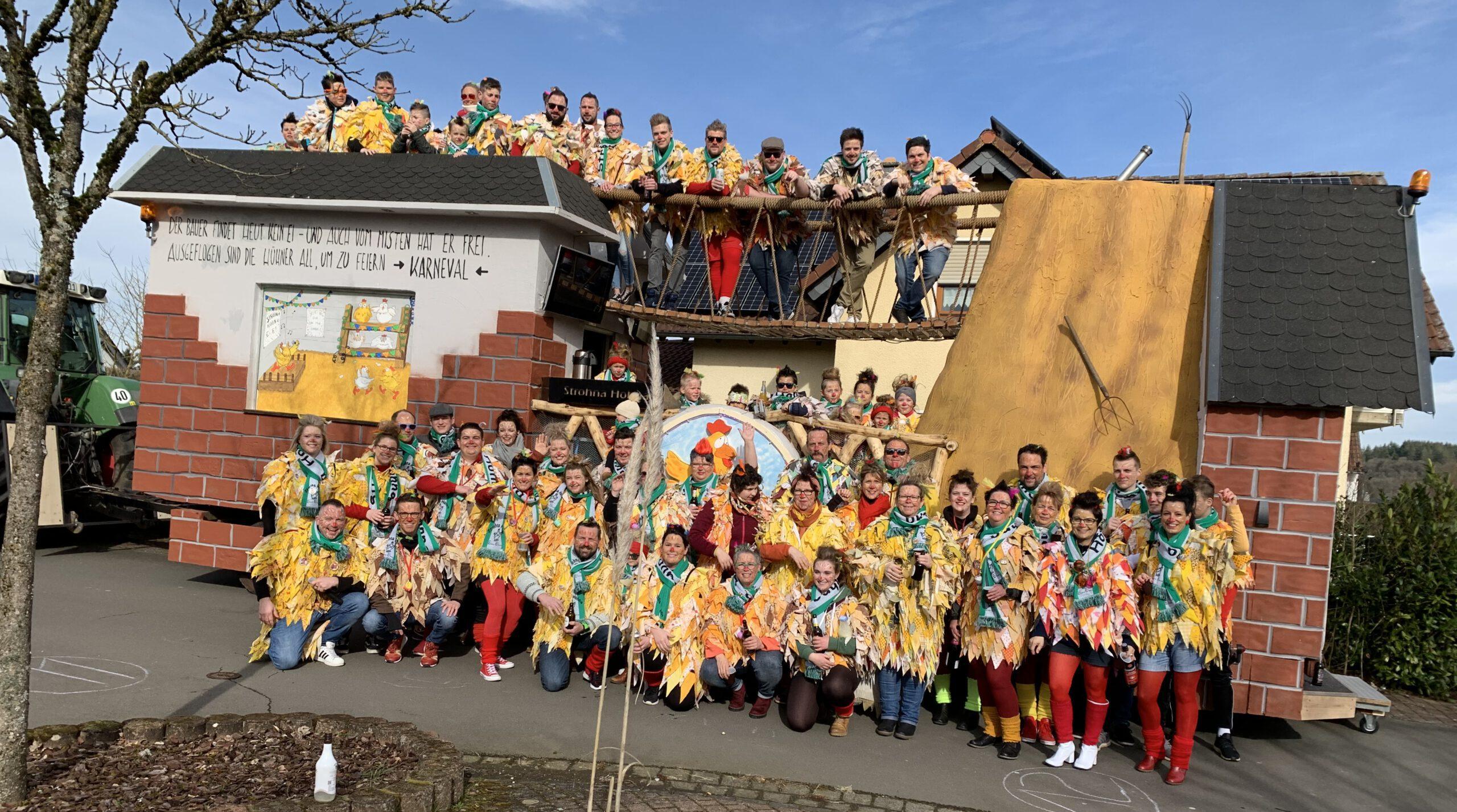 Bei den Karnevalsumzügen sind die Strohna Hohna immer zahlreich unterwegs. Foto: Verein