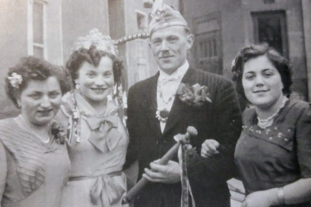 Prinz, Prinzessin und Hofdamen Anfang der 50iger Jahre. Foto: Verein